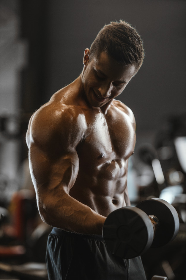 muscular-man-working-out-sustanon-250